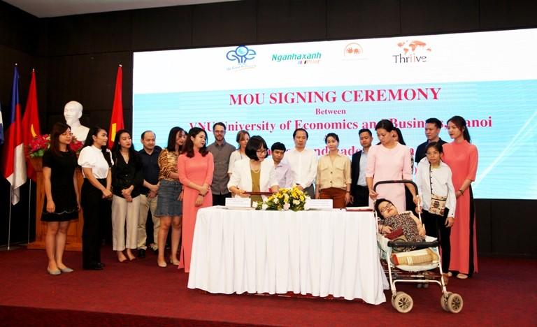 University of Economics and Business - VNU signed a Memorandum of understanding with Thuong Thuong Handicraft